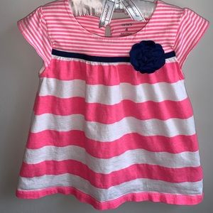 Cute top with navy rosette